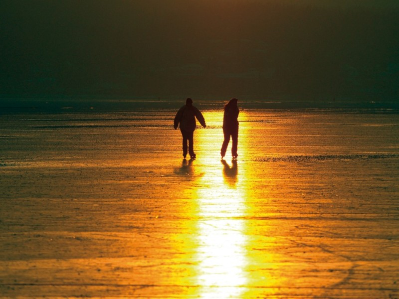 Eislaufen am Abend